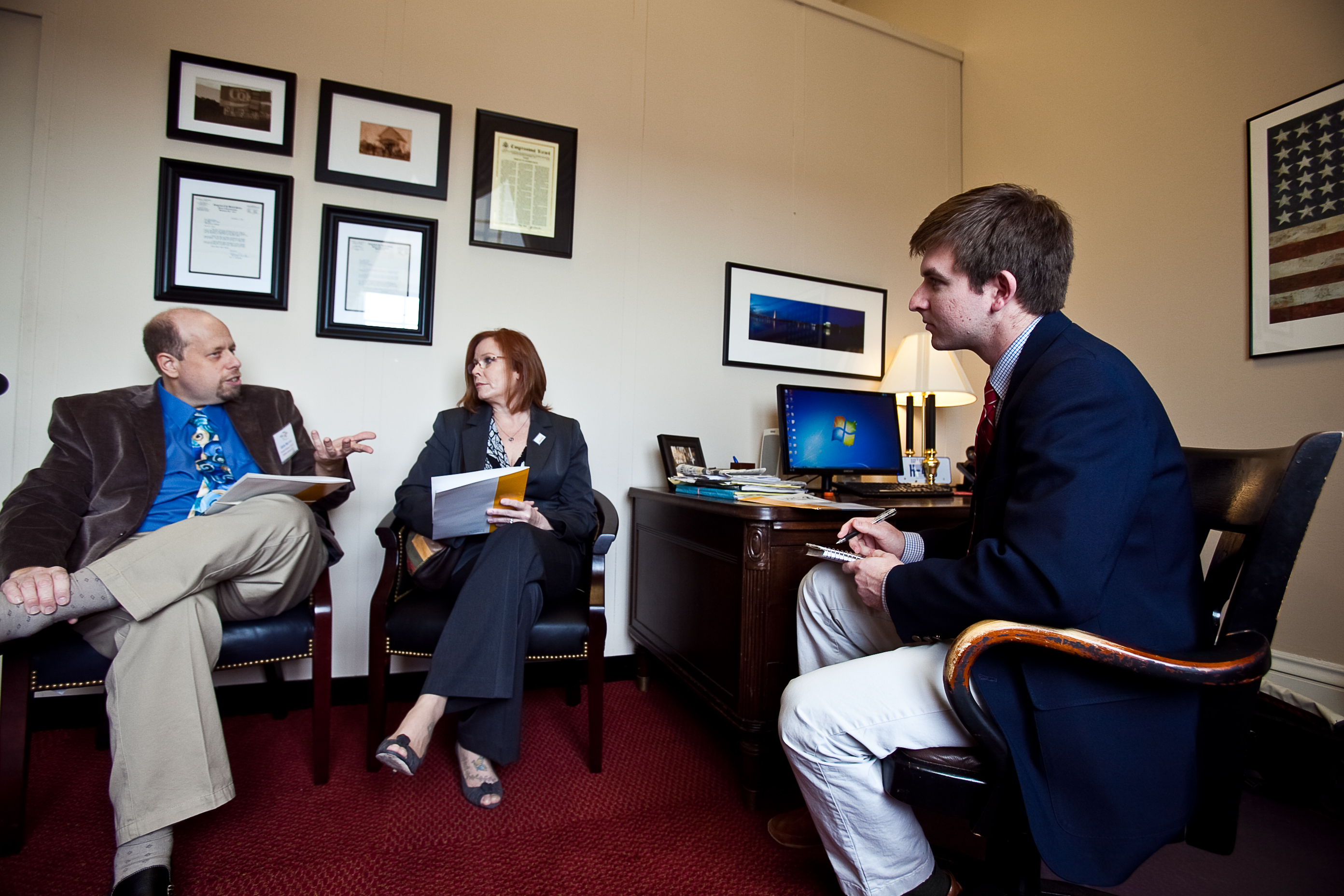 DPC Patient Ambassador, Gary Barron, meeting with Hill staff during the 2012 World Kidney Day Fly-In